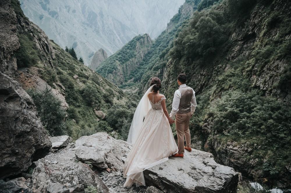 это время фото церемонии свадьбы в горах коронки имеют дополнительный