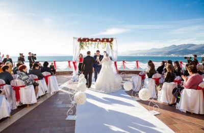 Свадьба под ключ в Сочи для небольшой компании за 350 000 рублей из 10 человек